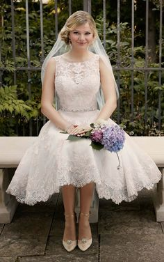 Essense of Australia 2016  Wedding Dress D2101