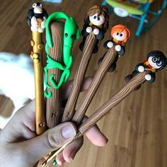 Polymer Clay Crafts, Diy Clay, Harry Potter Diy, Clay Design, Paper Clay, Ballpoint Pen, Amelie, Sheep, Chibi