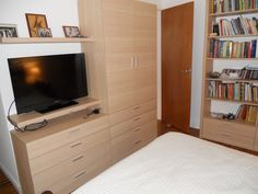 Dormitorio con guardado de ropa, LDC, biblioteca....