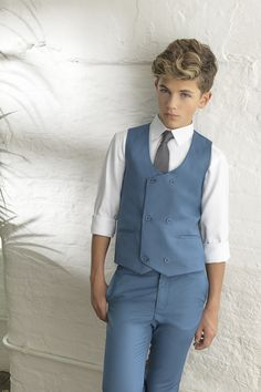 Available from only The sleek, light and ultra-slim fitting, the Ford is a true representation of Paisley of London's craftsmanship. Boys Summer Outfits, Cute Outfits For Kids, Boy Outfits, Kids Wedding Suits, Blue Suit Wedding, Little Boy Fashion, Teen Fashion, Latest Fashion, Cute Teenage Boys