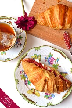 Tea, croissant and the famous Victoria décor by Herend http://store.herend.at/