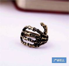 J-WELL Jewelry Zombie Hand Skeleton Grasp Hold Pirate Vintage Gold Ring Size 7
