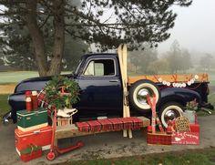 1954 Chevy Truck Christmas Tree Lots, Christmas Photo Props, Christmas Truck, Christmas Minis, Outdoor Christmas Decorations, Christmas Pictures, Black Christmas, Christmas 2019, Xmas