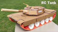 How to Make a Tank (Electric Car) Out of Cardboard - Remote Controlled Tank - Abrams Cardboard Model, Cardboard Car, Robots For Kids, Kids Toys, Helicopter Craft, Toy Tanks, Foam Armor, Drawing Machine, Valentine Box