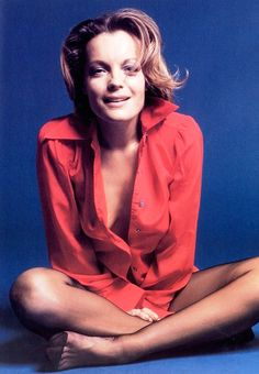 Romy Schneider sexy and braless posing scans Romy Schneider, Divas, Actrices Sexy, Alain Delon, French Actress, Women Legs, Summer Outfits Women, Famous Women, Lady