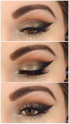 Maquillaje en negro y dorado
