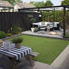 Ideas for small backyard patios are endless! Don't be discouraged if your backyard is tiny and you think it cannot … Small Outdoor Patios, Modern Backyard, Backyard Patio Designs, Small Backyard Landscaping, Patio Ideas, Landscaping Ideas, Backyard Ideas, Small Pergola, Backyard Pools