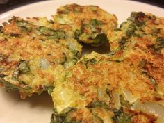 Spinach and Goat Cheese Quinoa Cakes. Delicious and sooo easy to make! A must try!!!