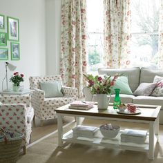 http://data.whicdn.com/images/10972955/Country_living_room_large.jpg