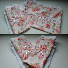 Fronha tecido floral barrado inglês. Um charme
