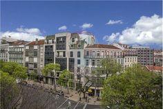 Lisboa, Estefânia, Rua Jacinta Marto. Apartamento T3 a precisar de obras de renovação em prédio de placa com elevador. Vendido em Outubro de 2015 por 157.500 euros. Vendido por Diogo Neto.