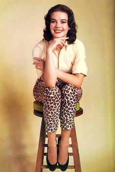 Natalie wearing a top and leopard print pants Natalie Wood, Old Hollywood Glamour, Classic Hollywood, Hollywood Style, Hollywood Fashion, Timeless Beauty, Classic Beauty, Splendour In The Grass, Photo On Wood
