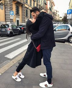 Hey Sweetie Visit our Website and enjoy with our Beauty Quizzes ! Cute Couples Photos, Cute Couple Pictures, Cute Couples Goals, Couple Goals Relationships, Cute Relationship Goals, Couple Photoshoot Poses, Couple Posing, Luxury Couple, Teen Couples