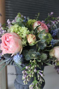 gorgeous flowers centerpiece shabby