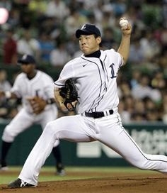 Yuusei Kikuchi hurls 5 strong frames with 6 strikeouts as he earns his 1st win of the season at Seibu Dome on Thursday, July 26, 2012.