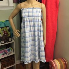 Adorable Vineyard Vines Plaid Tokeneke Dress❤️ Beautiful dress- comfortable and lightweight! Comes with shoulder straps if wanted. Not quite enough stretch in the chest for me!z#0303 Vineyard Vines Dresses Strapless