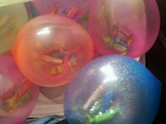 Fill balloons with small treats, toys and candy as a party favor. Add glitter for a little sparkle  BIRTHDAY PARTY FUN ツ