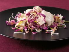 Piparimausteinen punakaalisalaatti | Valio Tacos, Mexican, Ethnic Recipes, Food, Essen, Meals, Yemek, Mexicans, Eten