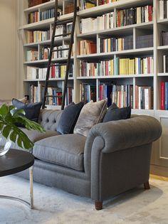 Molins Interiors // arquitectura interior - interiorismo - decoración - biblioteca - sala de estar - chester - escalera