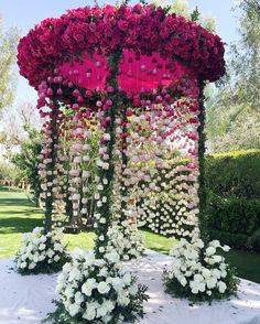 Best Garden wedding ceremony thorns ideas - Decoration For Home Wedding Mandap, Wedding Ceremony Ideas, Wedding Stage, Wedding Goals, Wedding Events, Wedding Themes, Wedding Reception, Wedding Planning, Ceremony Decorations