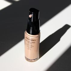 Shiseido Synchro Skin Glow Luminizing Fluid Foundation SPF20
