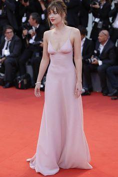 Resultado de imagem para quartzo rosa vestido