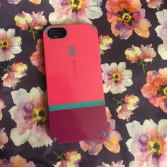 A super cute IPhone 5/5s case! A really nice and durable IPhone 5/5s case. Great shock absorber. Speck Accessories Phone Cases