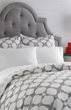 Gray and Gorgeous! Add coral or turquoise and beautiful!