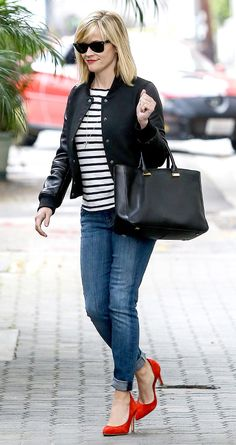 The Go-To Uniform for Stylish Moms: Striped Tops - Reese Witherspoon from #InStyle Black Dress Red Heels, Jeans With Heels, Office Fashion, Daily Fashion, Street Fashion, Classy Chic, Jeans Style, Chic Outfits, Spring 2014