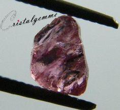 Cristal de spinelle rose