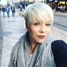 9-Ice Blonde Pixie Haarschnitt