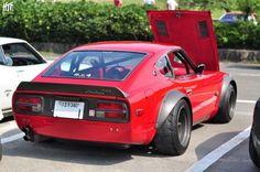Un automóvil japonés modificado sin perder la identidad oriental