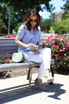 Simplest outfits are always my favorite. Looking put together without overthinking things is a lot simpler than we think. You can never go wrong with a nice button down. Summer Wedges, All About Fashion, White Denim, Simple Outfits, Spring Summer Fashion, Denim Jeans, Personal Style, Stylish, Womens Fashion