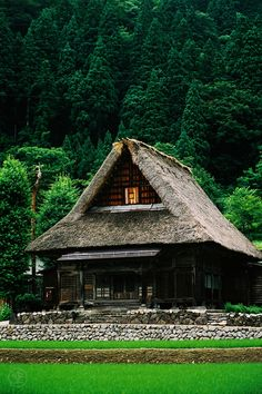 Sounenji is a gassho-zukuri temple in the UNESCO World Heritage site, Ainokura village in Gokayama, Japan by Skye Hohmann