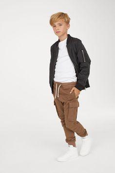 Cargo Pants - Tween fashion for Carson - KidFashion Fashion Kids, Tween Boy Fashion, Tween Boy Outfits, Outfits Niños, Toddler Fashion, Toddler Outfits, Baby Boy Outfits, Fashion Clothes, Dress Clothes