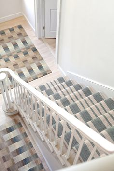 How to Choose a Runner Rug for a Stair Installation. A stair runner automatically elevates the look of almost any hallway! Check out our tips for choosing the best rug for your stairs: Hallway Carpet Runners, Cheap Carpet Runners, Carpet Stairs, Stair Runners, Staircase Runner, Stair Runner Installation, Carpet Installation, Royal Dutch, Stair Railing Design