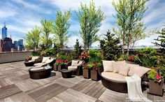 Beautiful interior and exterior photos of Mercer St, New York, NY This is a picture of Bon Jovi's Breathtaking Penthouse in New York City, it is out of 13 pictures total for this dream house. Soho, Jon Bon Jovi, Luxury Penthouse, Penthouse Garden, Luxury Homes Dream Houses, Dream Homes, Mansions Homes, Luxury Mansions, Interior Garden
