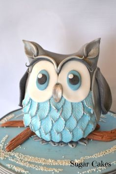15 Most Beautiful and Amazing Owl Birthday Cakes and owl Cookies for Kids birthdays (but grown ups can use them too). Who doesn't like cute owls? Owl Cakes, Bird Cakes, Ladybug Cakes, Fancy Cakes, Cute Cakes, Fondant Cakes, Cupcake Cakes, Fruit Cakes, Owl Cake Birthday