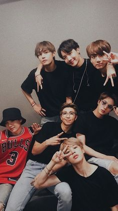 The Journey Of Jeon Y/N with her older brother Jeon Jungkook! Read to Find Out! Bts Taehyung, Bts Jimin, Bts Bangtan Boy, Namjoon, Seokjin, Bts Lockscreen, Foto Bts, Kpop, Bts Group Photos