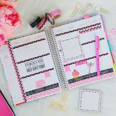 "Stunning colors! ""I'm loving the black and pink theme of this week in my @erincondren Life Planner! #mychicplanner"""