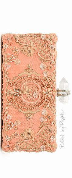 Regilla ⚜ Una Fiorentina in California Shades Of Peach, Peach Blush, Just Peachy, Clutch Wallet, Clutch Bags, Peach Colors, Marchesa, Beautiful Bags, Evening Bags