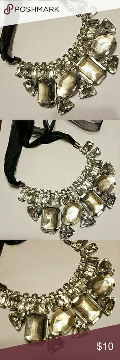 Huge clear gemstone crystal bib necklace Shimmer and shine with this huge statement mecklace. Clear crystals just add to any outfit. Perfect for weddings,prom,date night or girls night out. In pre owned condition with minor wear. Jewelry Necklaces