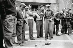 Tribute to the petanque old school.  #respect // Looking forward to receiving your extreme petanque pictures videos & stories! // #extremepetanque #extremeboules #pétanqueextrème #streetpetanque #urbanpetanque #ultimatepetanque #extremebocce #petanque #petanca #jeuxdeboules #jeudeboules #boules #bocce #bocceball #ball #balls