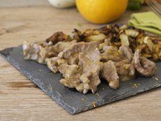 Gli straccetti di manzo all'arancia e insalata di finocchi al forno sono un'ottima soluzione per una cena leggera e gustosa.