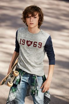 Trendy and Cool Haircuts for Boys - StylendesignsYou can find Teenage boy hairstyles and more on our website.Trendy and Cool Haircuts for Boys - Stylendesigns Cool Boys Haircuts, Boys Long Hairstyles, Boy Haircuts Long, Outfits Niños, Kids Outfits, Style Hipster, Young Cute Boys, Boy Models, Child Models