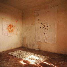 Bernard Faucon . Chambres D'Amour
