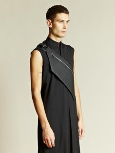 Visions f the Future // Thamanyah Men's Frontier Shoulder Bag