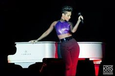 Why Alicia Keys should win a Grammy for her album; 'Girl on Fire' - Yahoo omg! UK