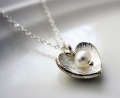 Small Silver Heart Necklace / Freshwater Pearl Necklace / Single Pearl Necklace / Dainty Delicate Necklace