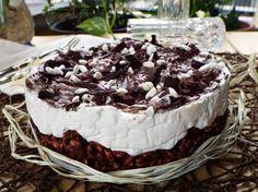 Cheesecake riso soffiato con crema al latte...Torta fredda con una base croccante di riso soffiato, cioccolato fondente e un pizzico di nutella, arricchita